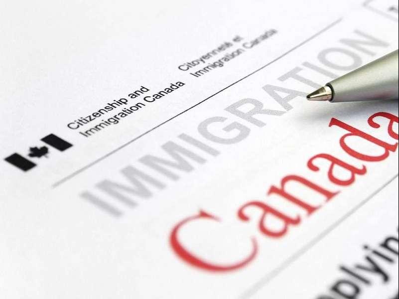 مدارک لازم برای مهاجرت کاری به کانادا